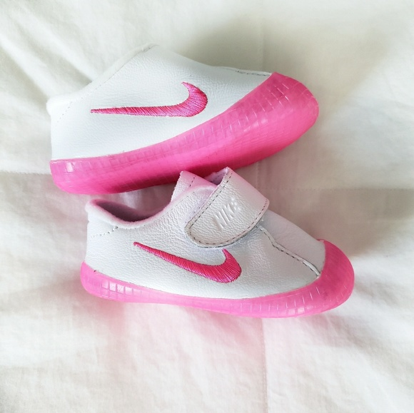 931a03a9b Nike Waffle Infant Girl's Crib Shoes NWOT. M_5bfb28e5aa87707959ddab35